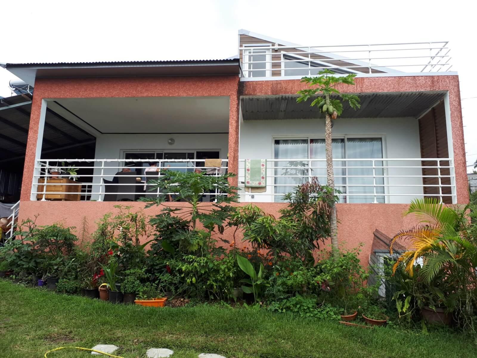 Villa à étage sur terrain de 700 m²