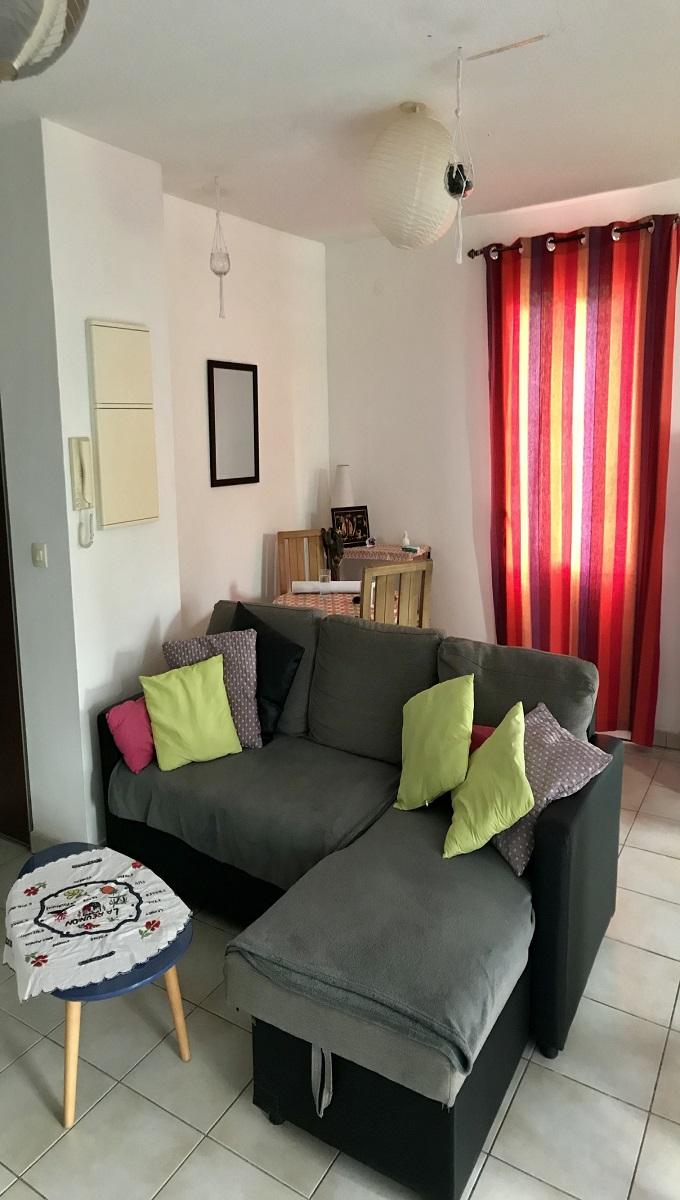 Appartement F2, meublé au centre de Saint Pierre